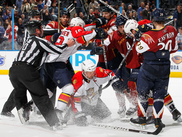 nhl_hockey_fights_109444412.jpg