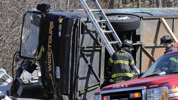 bus_accident_AP110312147504.jpg