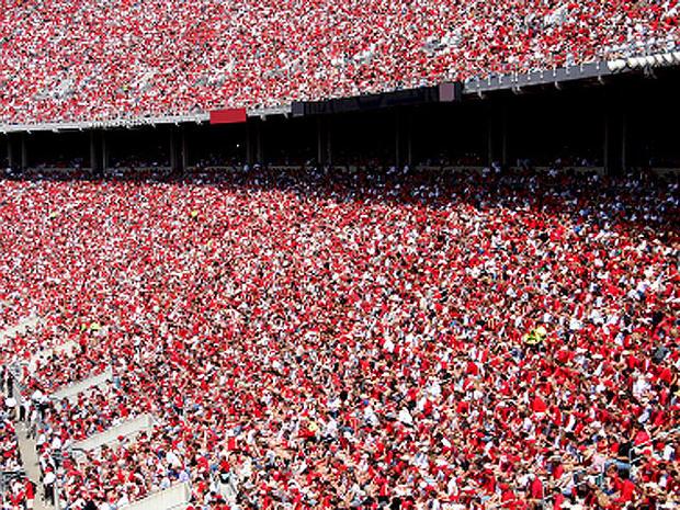stadium_crowd_iStock_000002180037XSmall.jpg