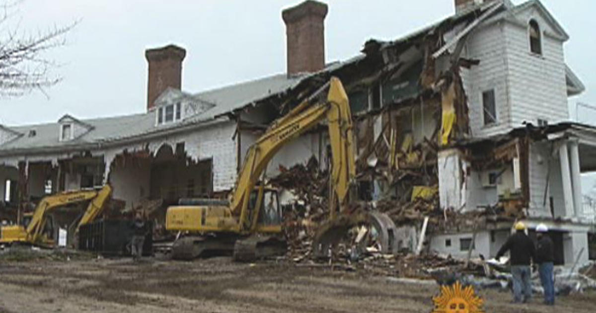 the end of an era for the gatsby house cbs news - House From The Great Gatsby