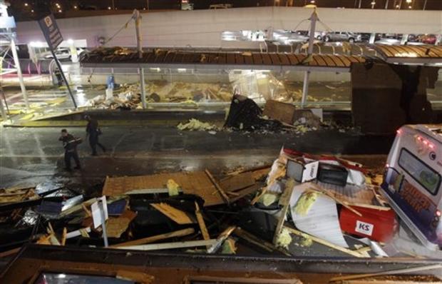 lambert_airport_tornaro_damage_AP110422017985_042311.JPG