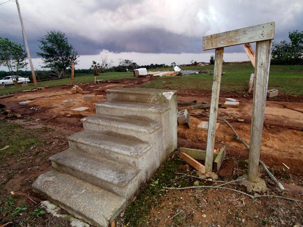 southern_storms_AP110427170748.jpg