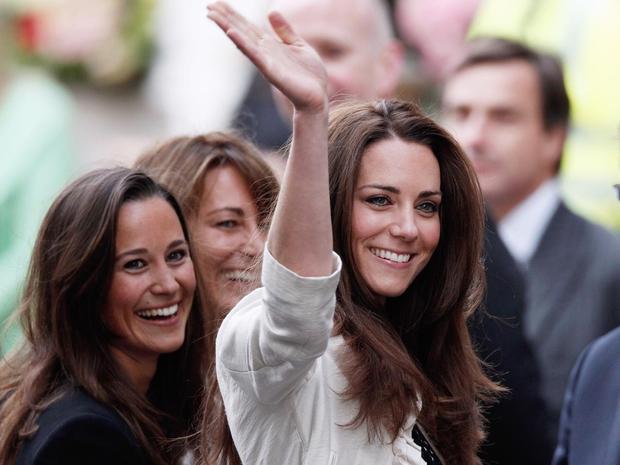 LONDON, ENGLAND - APRIL 28: Catherine Middleton (R) her mother Carole and sister Pippa arrives at The Goring Hotel after visiting Westminster Abbey on April 28, 2011 in London, England. With less than 24 hours to go final preparations for the wedding of P