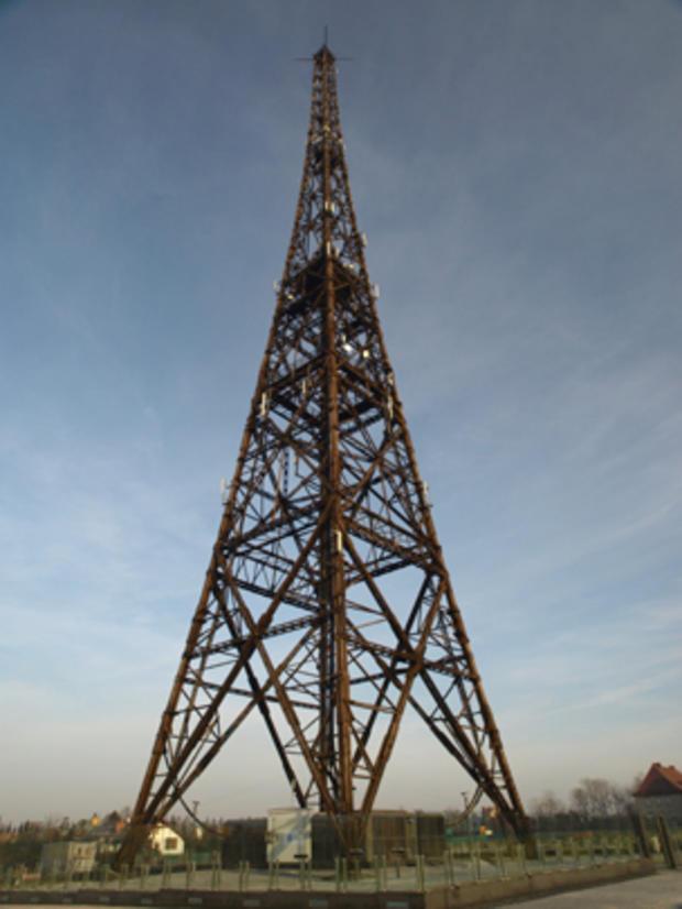 Gliwice_Radio_Tower_Wikimedia_user_Lcj.jpg
