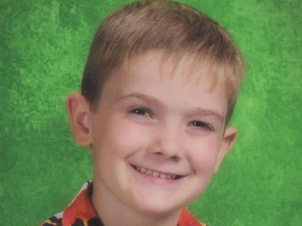 Mom Kills Self In Ill Motel 6 Year Old Boy Missing