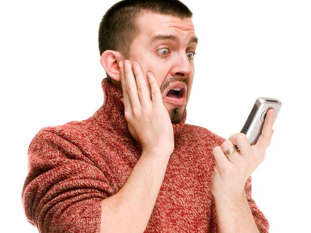 man-shocked-cell-phone-sper.jpg