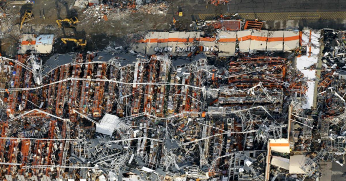 With 122 dead so far, search goes on in Joplin - CBS News