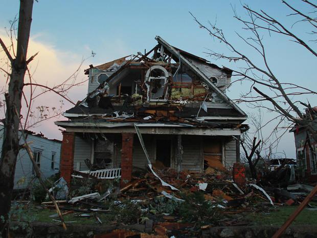 joplin_tornado_114572121.jpg