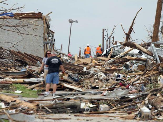 CBS News in Joplin, Mo., May 24-25, 2011