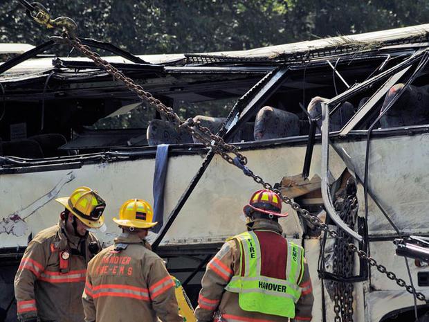 bus_crash_highway_006.jpg