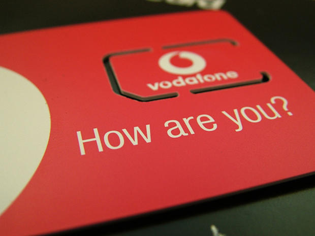 VodafoneUK: Do You Know Who is Tweeting?