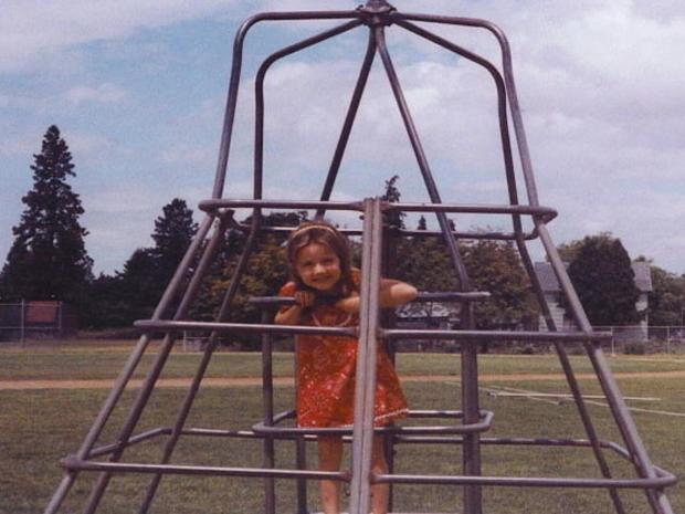 Oregon teen girl missing since 2001