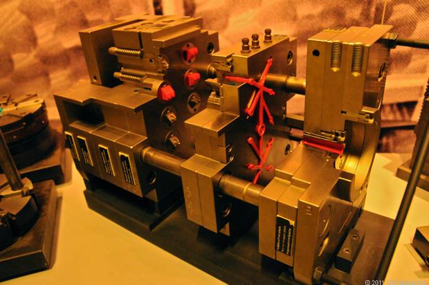 4-M-Mold_cross-section.jpg
