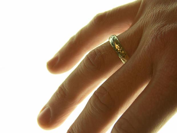 man-wedding-ring.jpg