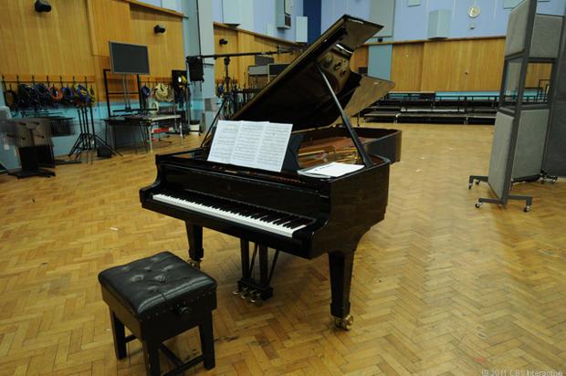 Studio_1_piano.jpg