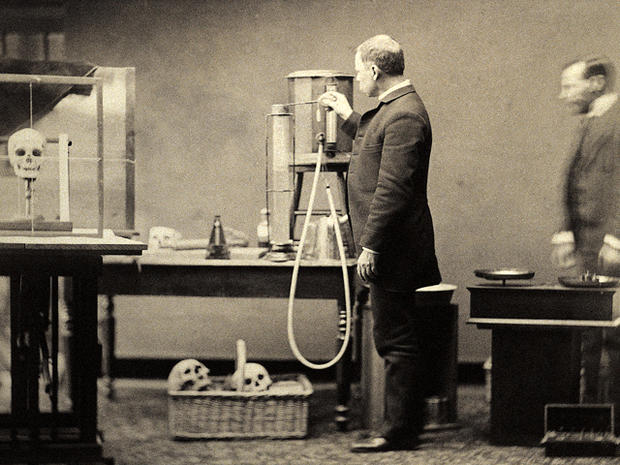 19th and 20th century psychiatry: 22 rare photos - Photo 1