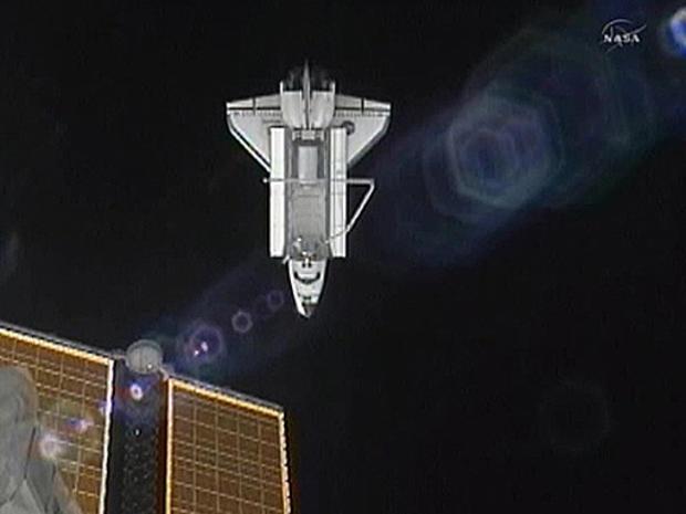 Atlantis_departs_ISS.jpg