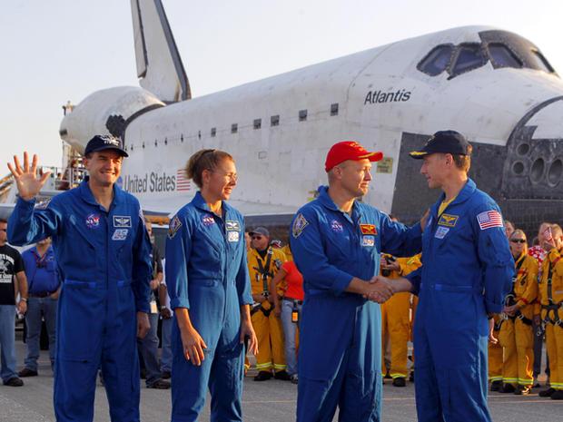 space_shuttle_atlantis_AP110721018288_fullwidth.jpg