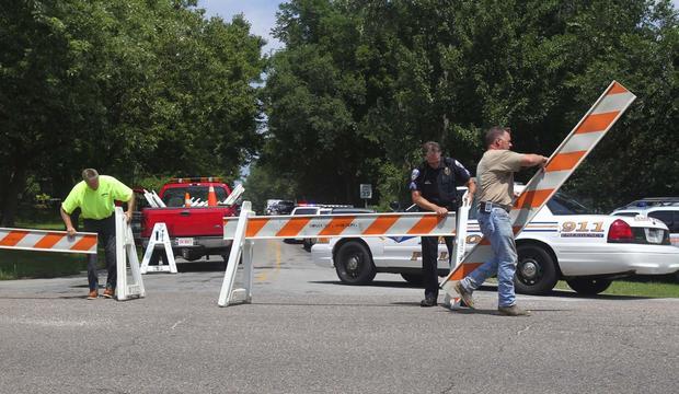 Police: 8 killed in US, gunman among dead