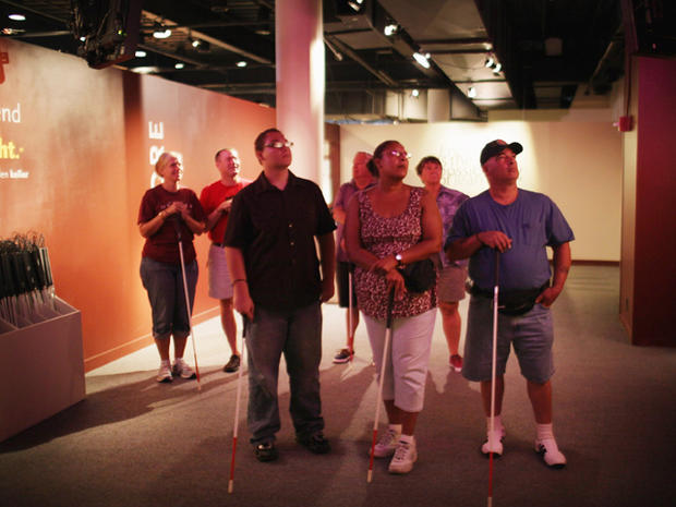 """Dialog in the Dark"" sheds light on being blind"
