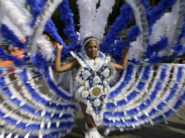 NY West Indian Day Parade shooting leaves 3 killed, two officers wounded