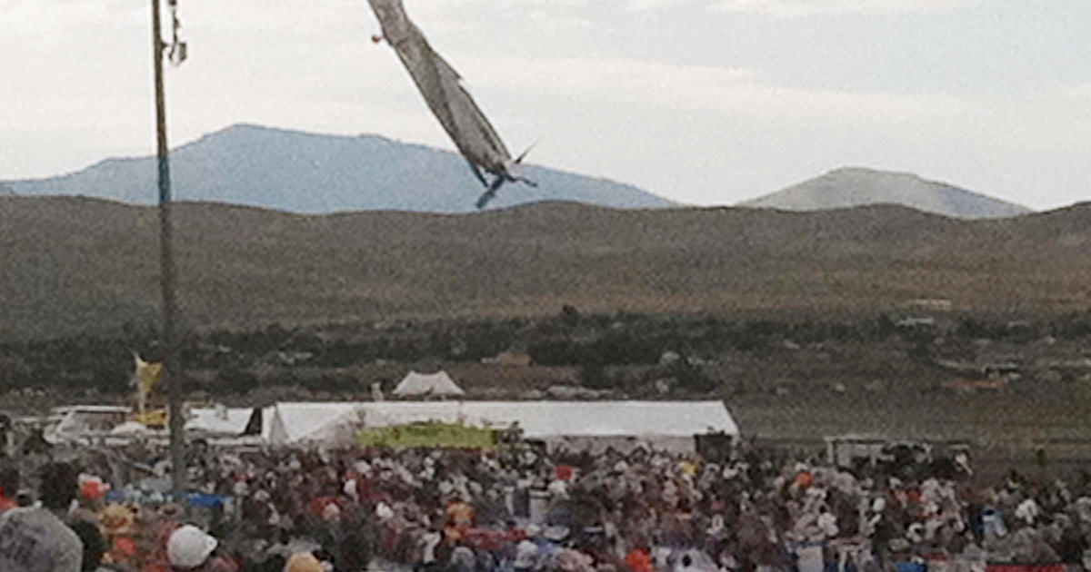 Deadly crash at Reno air races - Photo 1 - Pictures - CBS News