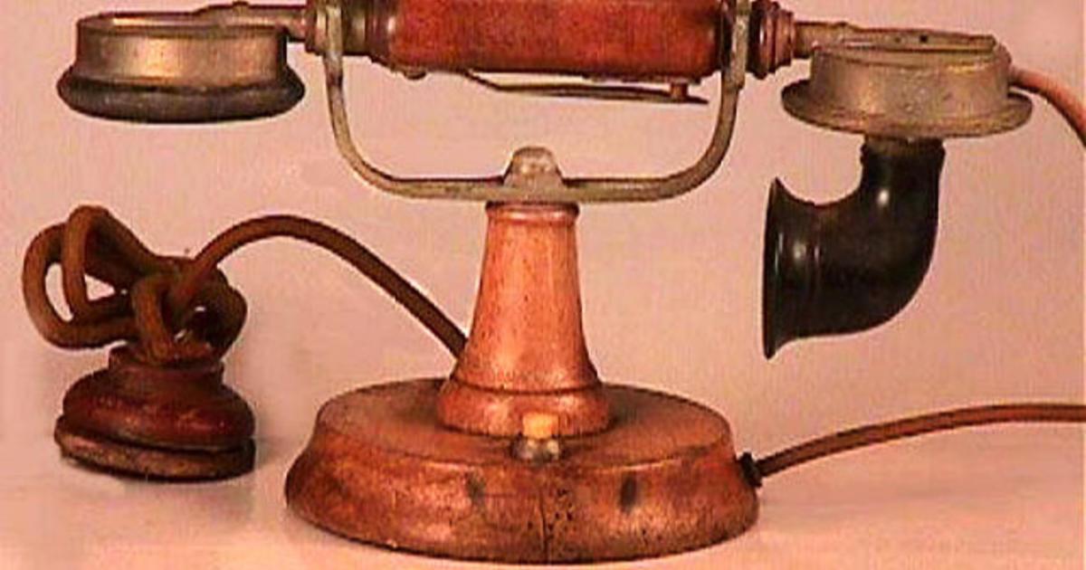 The evolution of telephones - CBS News