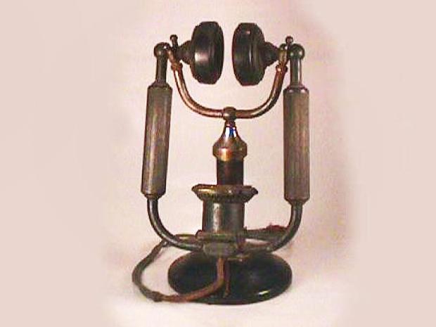 1914-MagnavoxAnti-NoiseDeskSet.jpg