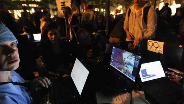 Occupy Wall Street uses social media to spread nationwide CBS News