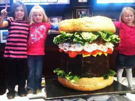 338 pound burger, huge burger, burger
