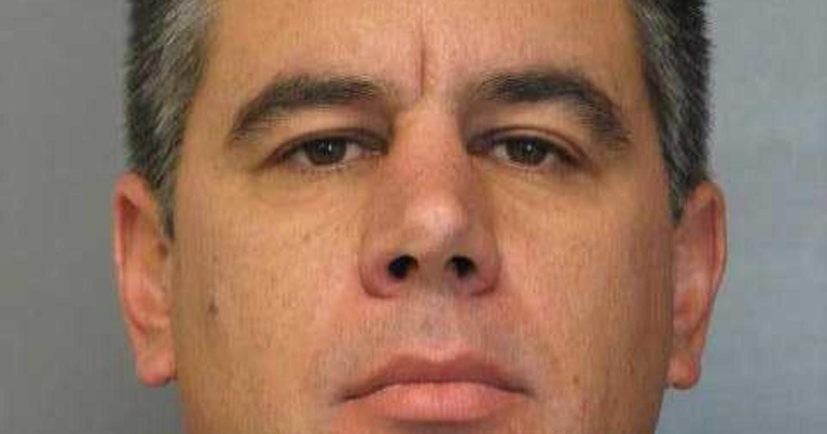 Man accused of stealing nude photos from womans cellphone
