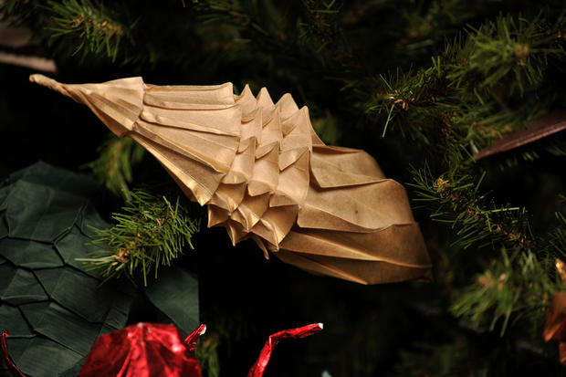 Amazing origami ornaments adorn museum tree