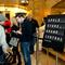 01_apple_store_grand_central_december9opening_cnet.jpg
