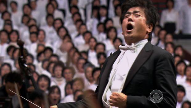 """10,000 chorus sings """"Ode to Joy"""""""