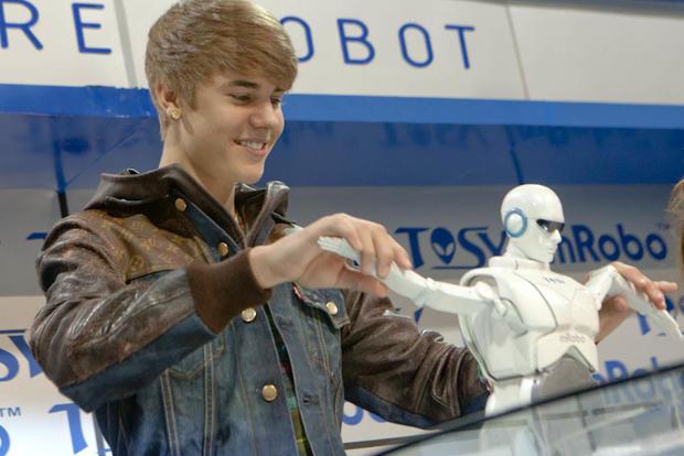 Justin-Bieber-CES-7531.jpg