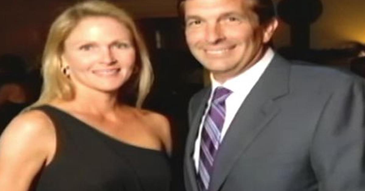 Fla  man adopts his 42-year-old girlfriend - CBS News