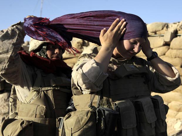 women_combat_soldier_AP090810157488_fullwidth.jpg