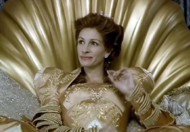 """Julia Roberts talks """"Mirror Mirror"""""""