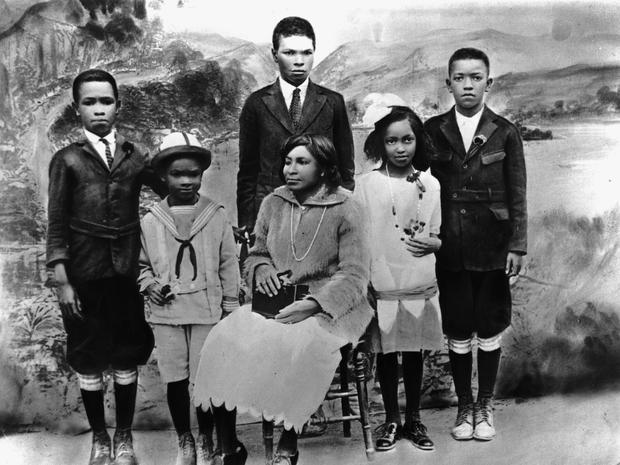 Mallie Robinson, center, poses for a family portrait with her children, from left, Mack Robinson, Jackie Robinson, Edgar Robinson, Willa Mae Robinson and Frank Robinson