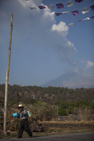 Mexico's Popocatepetl volcano erupts