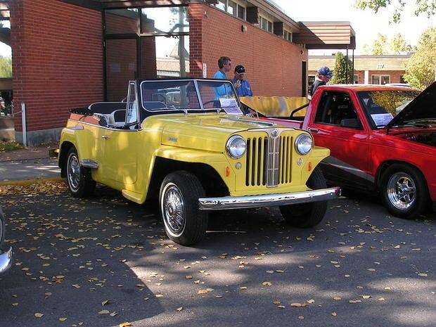 800px-Jeepster.jpg