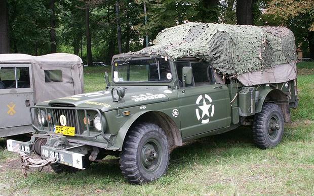 800px-M715_Jeep.jpg