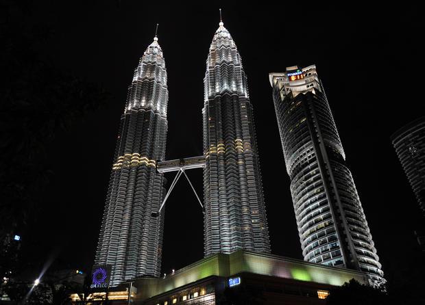 Petronas_96491406.jpg