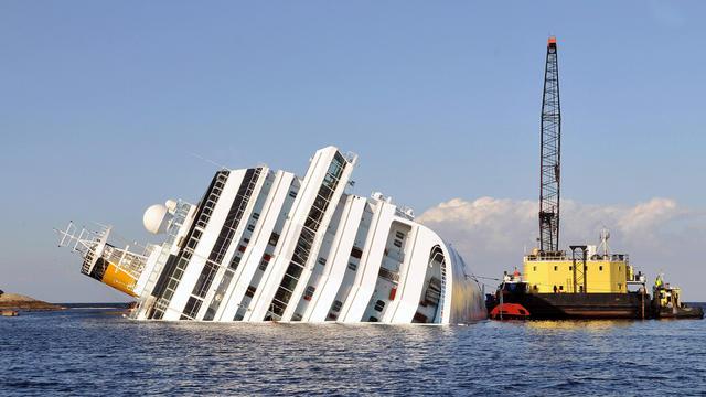 Wreckage of Costa Concordia sits off Italian coast
