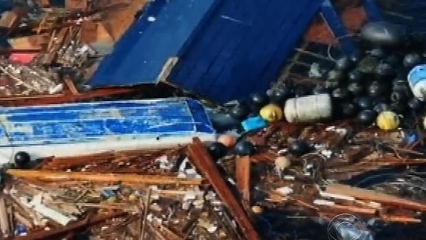 Debris from Japanese tsunami floating in Pacific Ocean