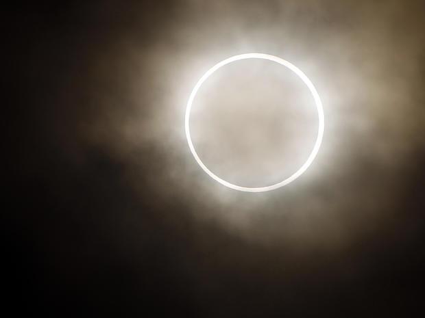ring_of_fire_eclipse_AP12052105083_fullwidth.jpg