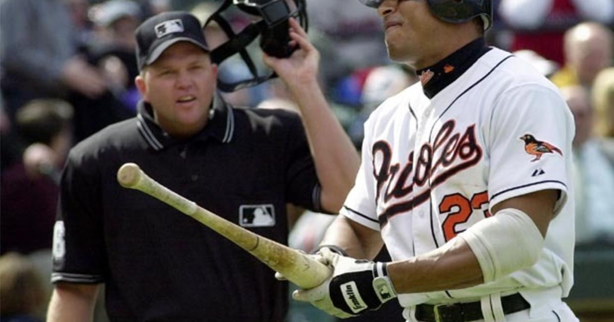 Former MLB player David Segui: I was told of Roger Clemens ...