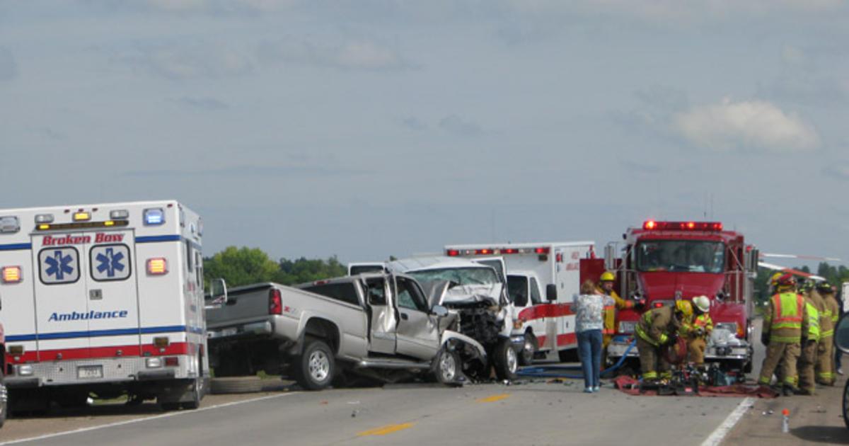 3 Dead After Pickup School Van Crash In Nebraska Cbs News