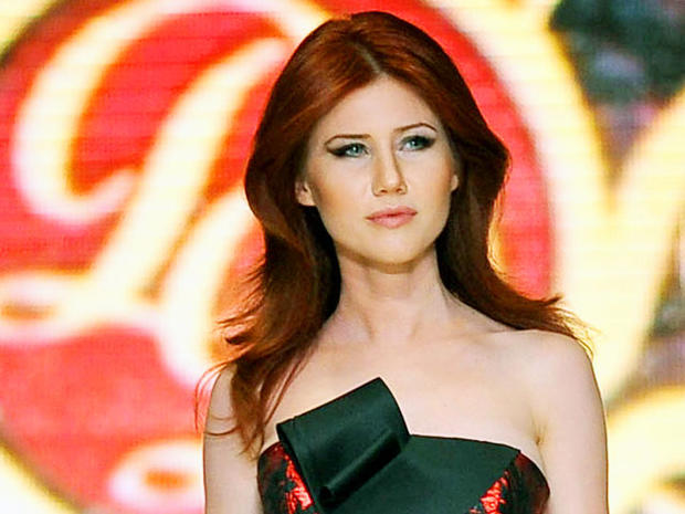 Ex-Russian spy Anna Chapman hits the catwalk