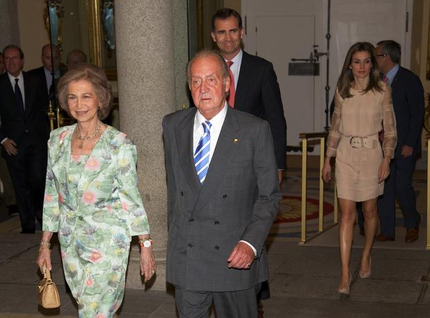 Royals pouring into London